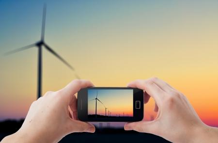 tomar: Uma imagem de fotografias de tiro com telefone móvel