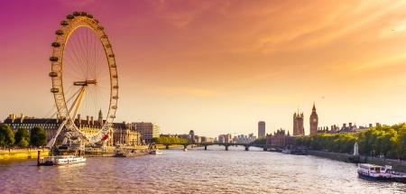 Een beeld van de historische architectuur bekijken in Londen, VK