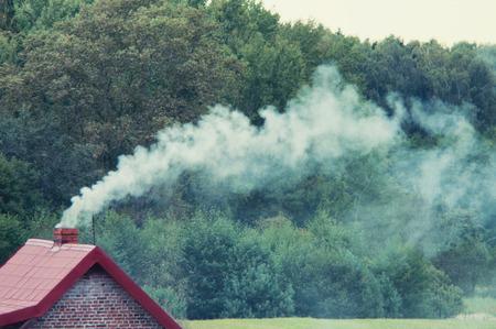 Een afbeelding van Moke coming out van de schoorsteen