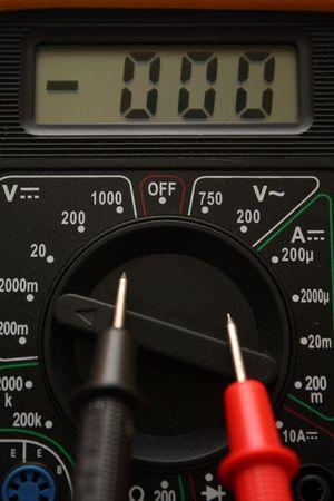 multimeter: Digital Multimeter