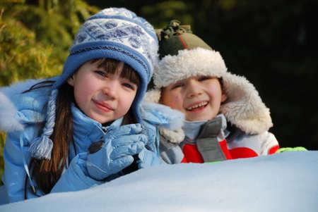 Felices los ni�os en la nieve  Foto de archivo