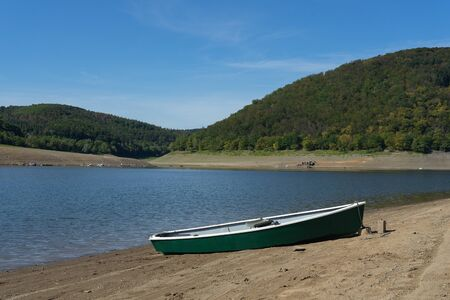 View to the german lake called Edersee with boat and cloudless sky Stockfoto