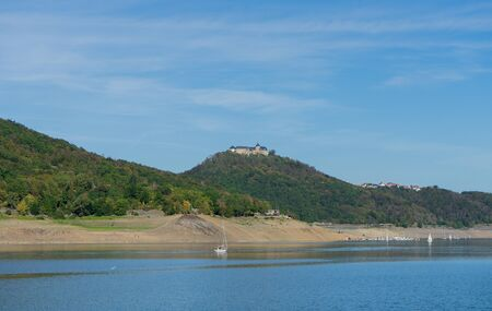 View to the german palais Waldeck with the lake called Edersee at autumn Stockfoto
