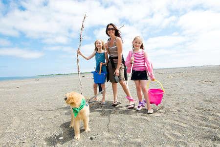 gelukkig gezin op het strand