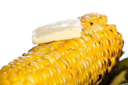corn yellow: Ma�z a la parrilla en la mazorca Foto de archivo