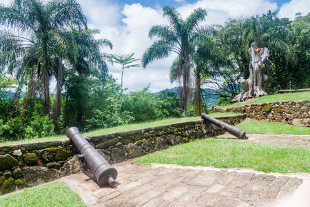forte: Cannons at Forte Defensor Perpetuo fort in Paraty, Brazil
