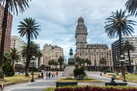 montevideo: MONTEVIDEO, URUGUAY - FEB 18, 2015: View of Plaza Independecia square in the center of Montevideo.