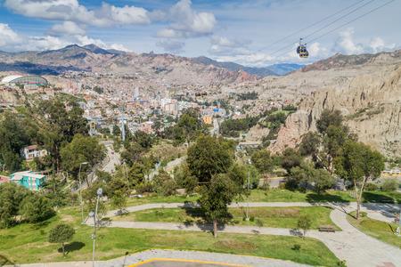 la paz: Aerial view of La Paz, Bolivia with Teleferico (Cable car)