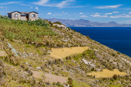 isla: Village on Isla del Sol (Island of the Sun) in Titicaca lake, Bolivia