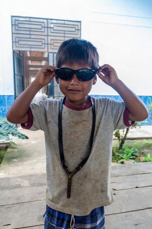 quechua indian: PANTOJA, PERU - JULY 10, 2015: Child living in small village Napo in amazonian jungle, Peru
