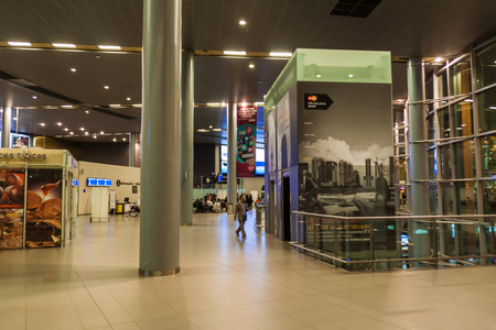 BOGOTA, COLOMBIA - SEPTEMBER 24, 2015: Interior of El Dorado airport in Bogota, Colombia. Reklamní fotografie - 59109868