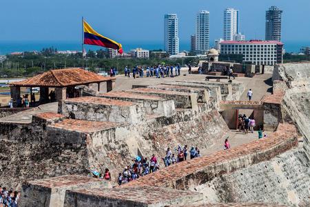 barajas: CARTAGENA DE INDIAS, COLOMBIA - AUG 30, 2015: Tourists visit Castillo de San Felipe de Barajas castle in Cartagena Editorial