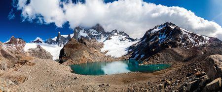 tres: Fitz Roy mountain and Laguna de los Tres lake, National Park Los Glaciares, Patagonia, Argentina