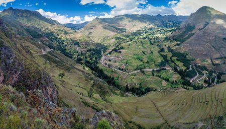 past civilizations: Valley near Pisac village, Peru Stock Photo