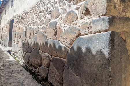 sacred valley of the incas: Ancient wall in Ollantaytambo village, Sacred Valley of Incas, Peru