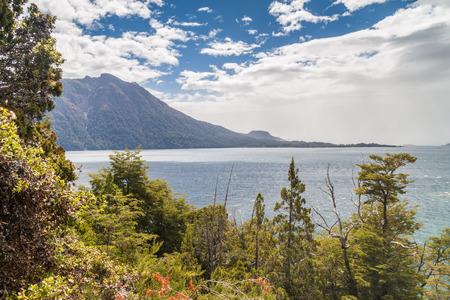 lake nahuel huapi: Nahuel Huapi lake near Bariloche, Argentina
