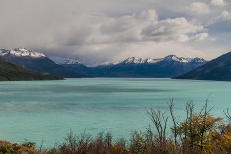 argentino: Lago Argentino in Patagonia, Argentina