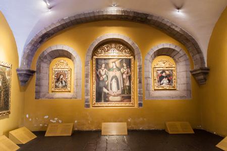 domingo: CUZCO, PERU - MAY 23, 2015: Interior of convent Santo Domingo in Cuzco, Peru.
