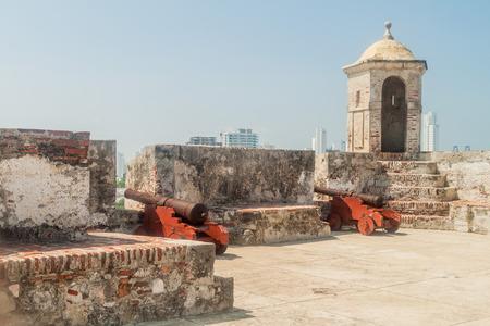 Cannons at the Castillo de San Felipe de Barajas castle in Cartagena de Indias, Colombia. 版權商用圖片 - 61220290