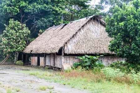 nuevo: Small house in Nuevo Rocafuerte village, Ecuador
