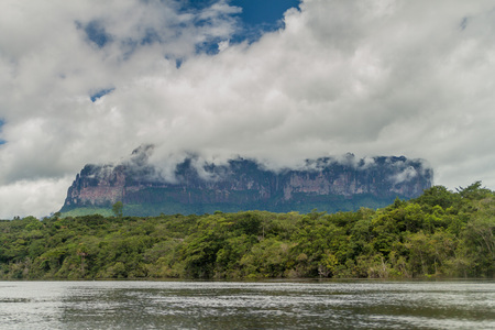 unexplored: River Carrao and tepui (table mountain) Auyan in National Park Canaima, Venezuela. Stock Photo