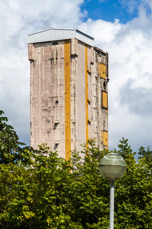 spatial: Ariane Launch Area 2, former launch pad, at Centre Spatial Guyanais (Guiana Space Centre) in Kourou, French Guiana