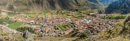 sacred valley of the incas: Aerial view of Ollantaytambo and Incas agricultural terraces, Sacred Valley of Incas, Peru Stock Photo