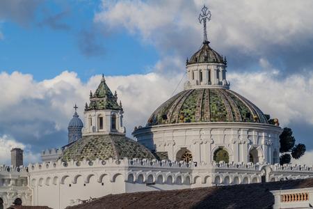 la compania: Cupola of La Compania de Jesus church in old town of Quito, Ecuador