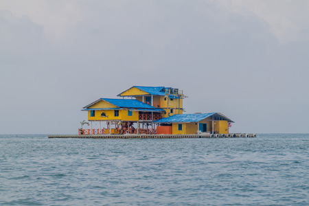 guesthouse: Floating guesthouse in San Bernardo archipelago, Colombia Stock Photo