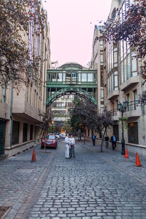 SANTIAGO, CILE - 27 MARZO 2015: Vista della via di Calle Parigi a Santiago, Cile