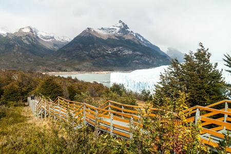 calafate: Boardwalks near Perito Moreno glacier, Argentina