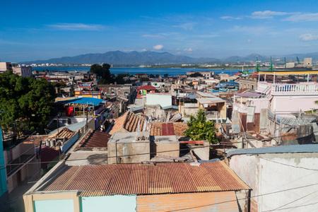 Vista aérea de Santiago de Cuba, Cuba Foto de archivo - 82239026