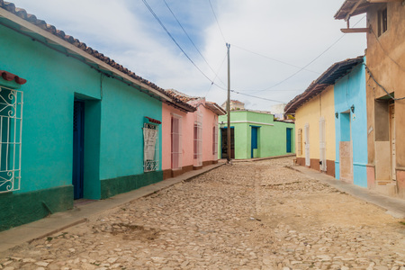 Old street in the center of Trinidad, Cuba 版權商用圖片 - 79329657
