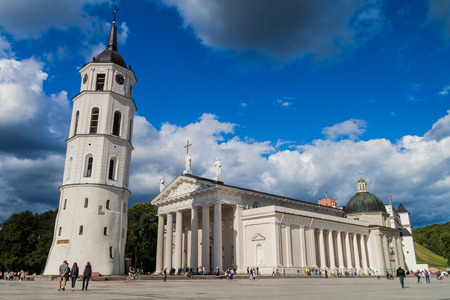 VILNIUS, LITHUANIA - AUGUST 15, 2016: Cathedral Basilica Of St. Stanislaus And St. Vladislav On Cathedral Square in Vilnius, Lithuania. Редакционное