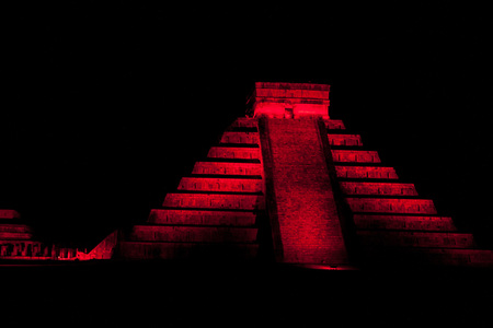 Night view of pyramid Kukulkan in ancient Mayan city Chichen Itza, Mexico Stock Photo