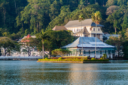 Bogambara lake and the Temple of Sacred Tooth Relic in Kandy, Sri Lanka