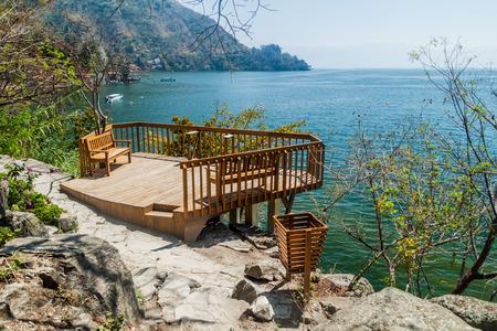 Lake Atitlan viewpoint at Cerro Tzankujil park near San Marcos La Laguna village, Guatemala Imagens