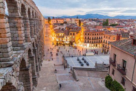 SEGOVIA, SPAIN - OCTOBER 20, 2017: View of the Roman Aqueduct in Segovia, Spain Фото со стока