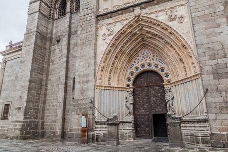 Porte de la cathédrale d'Avila, Espagne Banque d'images