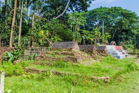 Cemetery near Zinda Pir mosque in Bagerhat, Bangladesh Фото со стока