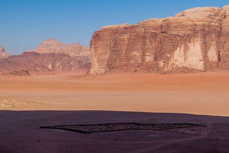 Rocks and an old village cemetery in Wadi Rum desert, Jordan Zdjęcie Seryjne