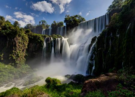 Cascate di Iguazu Giungla Argentina Brasile Archivio Fotografico - 90779243