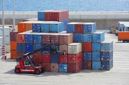 Containers and container carrier in Barcelona