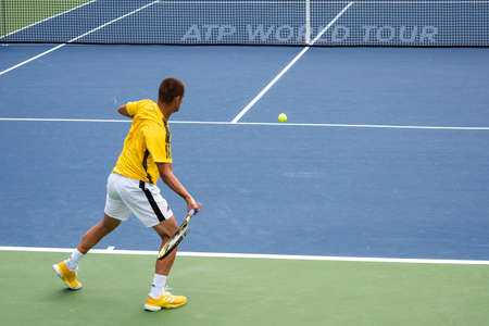 Montreal, Canada - Aujgust 5th, 2017: Mikhail Youzhny practicing in the national bank court during the Rogers Cup. 新闻类图片