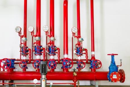 Вода и спринклерная система пожаротушения Фото со стока