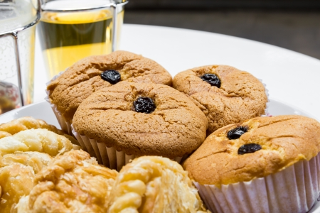 Cup cake with coffee and tea