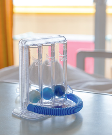 Three balls Incentive Spirometer for deep breathing after surgery 版權商用圖片