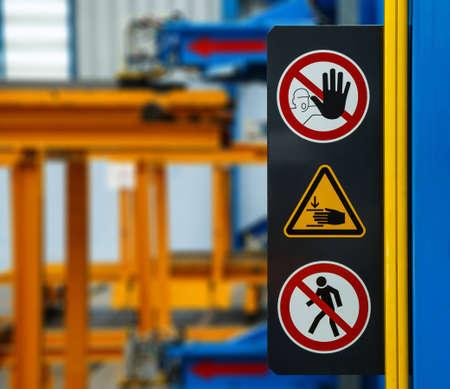 se�ales de seguridad: Sin se�al de advertencia de acceso mientras la m�quina est� funcionando