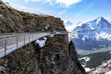 Sky cliff walk on First peak of Alps mountain at Grindelwald Switzerland , metal cliff-walk Banque d'images