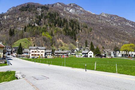 Rock valley , building and road in mountain of Sonogno in Locarno Ticino Switzerland 版權商用圖片